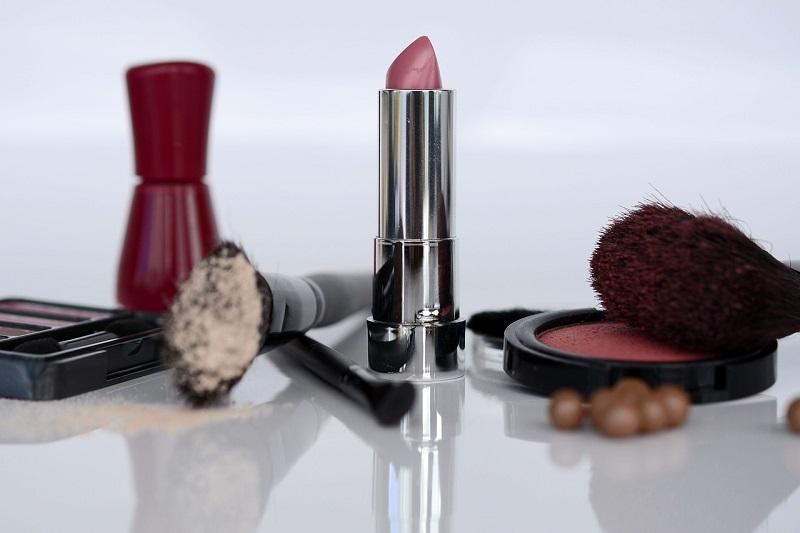 Makeup Revolution šminka pruža vam vrlo vrhunsko iskustvo za nisku cijenu